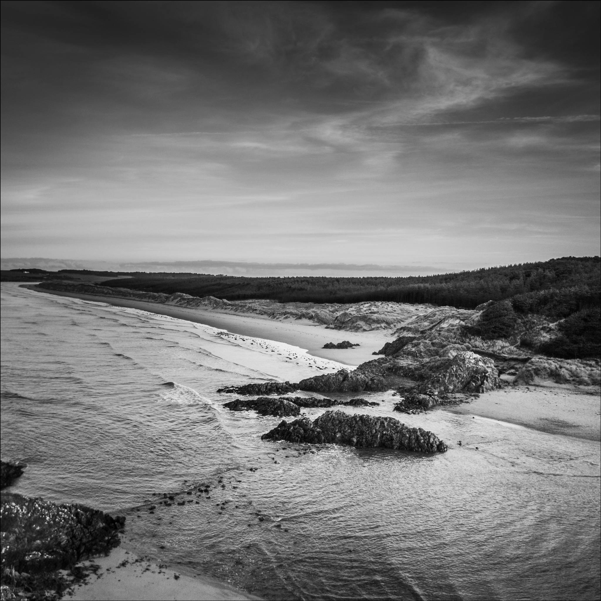 Newborough-beach-mono-Mavic-DJI_0027